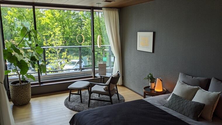「寝室」は大人な雰囲気