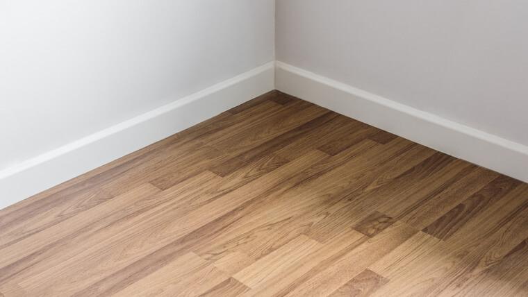 良い設備や床材を安く仕入れられる
